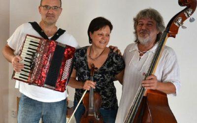 Folklor trio